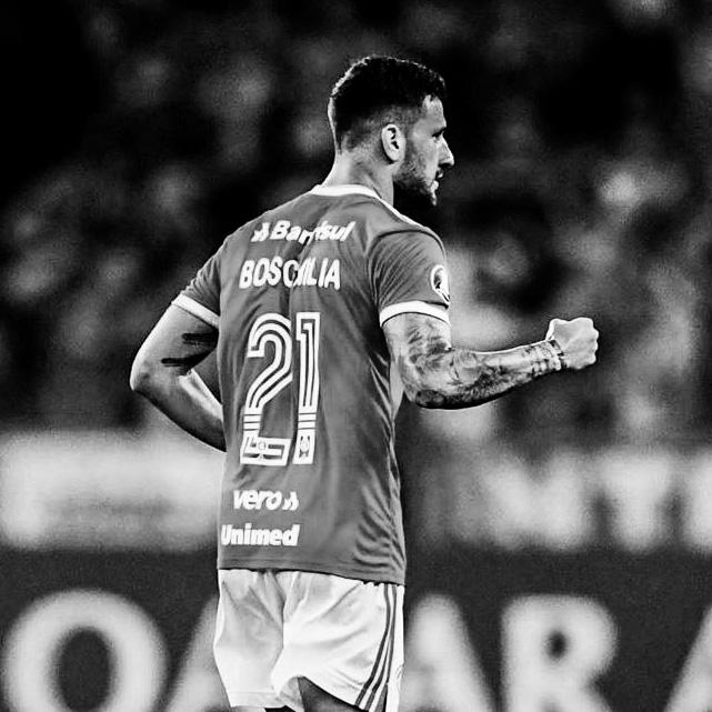 Gabriel Boschilia, 24 anos, meio-campo, campeão Francês e semifinalista da Uefa Champions League. instagram.com/boschilia twitter.com/boschilia facebook.com/gboschilia