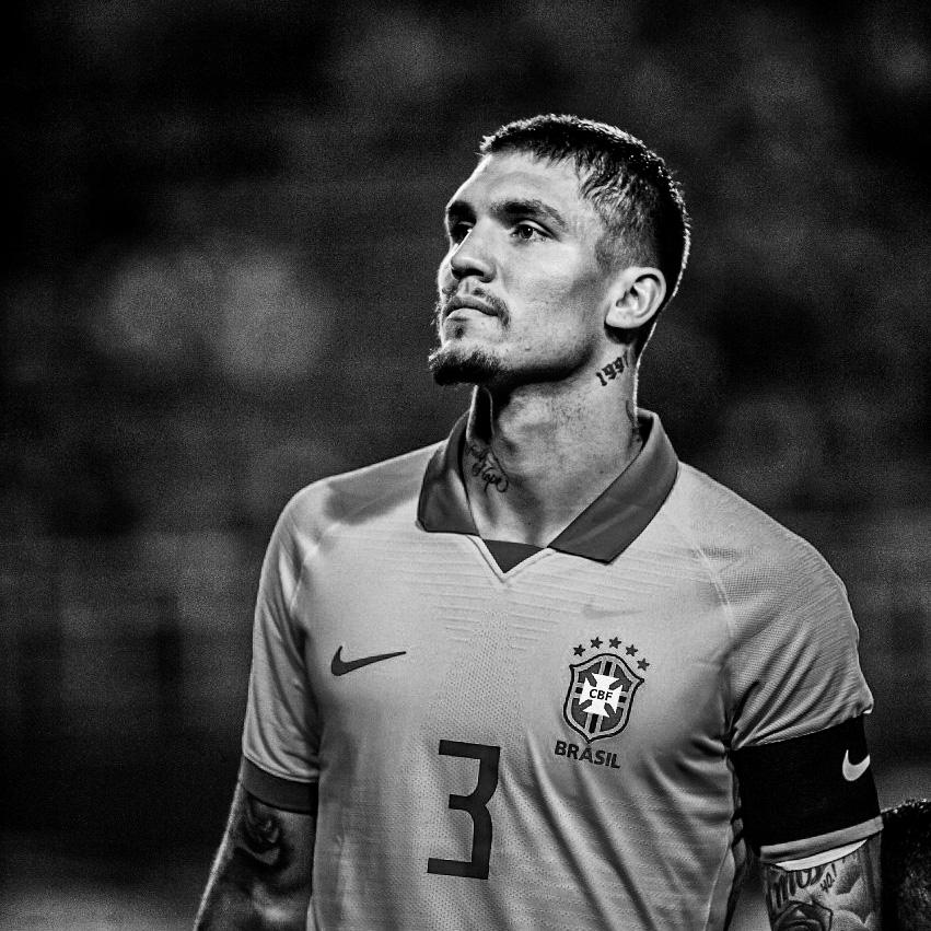 Lyanco Evangelista Silveira Neves Vojnović, zagueiro, 23 anos, capitão da Seleção Olímpica Brasileira. instagram.com/lyanco twitter.com/lyanco facebook.com/lyancovojnovic Tiktok: @lyanco
