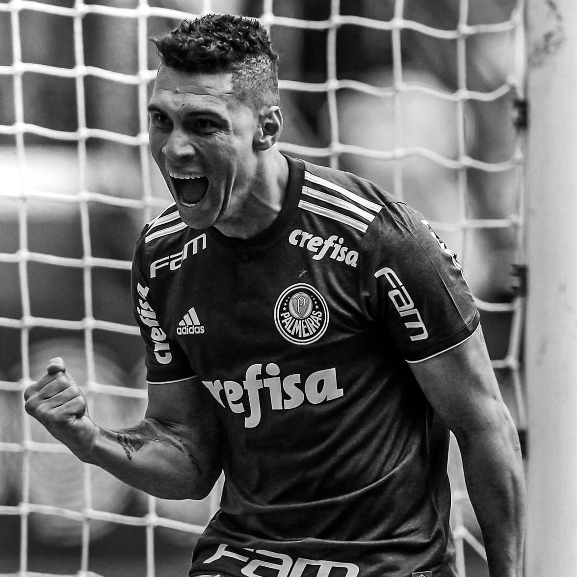 Moisés Lima Magalhães, 32 anos, meio-campo, bicampeão brasileiro pelo Palmeiras. instagram.com/moiseslima twitter.com/moiseslima10 facebook.com/moisesprofeta tiktok: @moiseslima