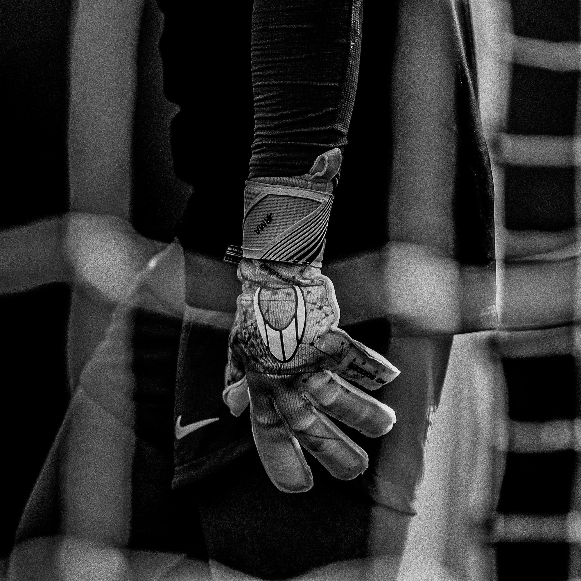 A HO Soccer foi fundada em 2001, na Espanha, dedicada ao mundo do futebol, especificamente aos goleiros. Atualmente, a empresa está presente em 54 países, sendo representada por mais de 500 goleiros profissionais, nos principais campeonatos do mundo. A marca deu início oficialmente aos trabalhos no Brasil em outubro de 2013, com a chegada da coleção 2013-14, baseando o trabalho na qualidade de seus produtos e serviços.
