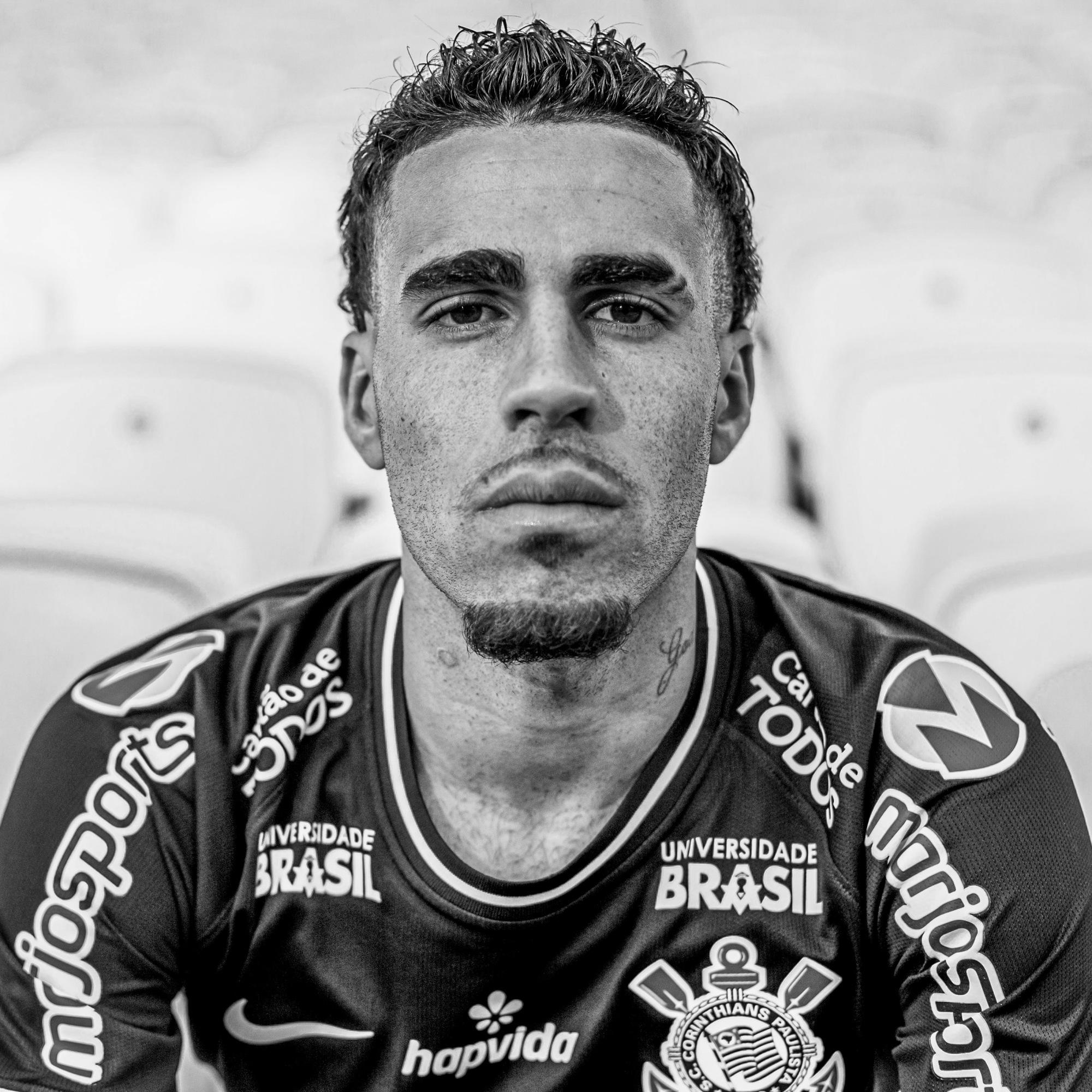 Gabriel Girotto Franco, 27 anos, volante, bicampeão brasileiro. instagram.com/gabriel twitter.com/g_gabriel5 facebook.com/GabrielGirottoOficial tiktok: @g_gabriel5