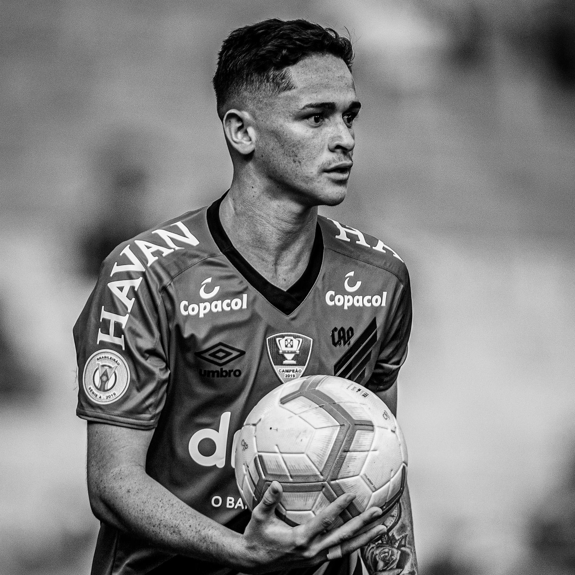 Khellven Douglas Silva Oliveira, 19 anos, lateral-direito, campeão da Copa do Brasil 2019. instagram.com/khellvensilva twitter.com/khellven